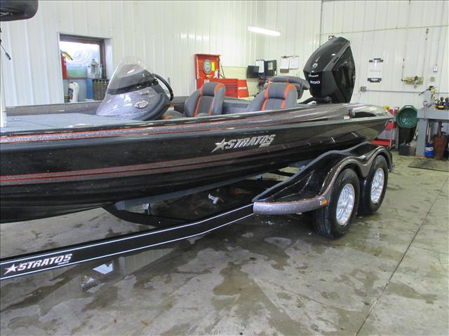 Stratos Bass Boat 294 XL Evolution