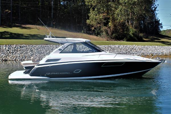 Regal 35 Sport Coupe Starboard profile