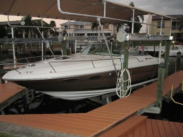 Sea Ray 280 Cuddy Cabin
