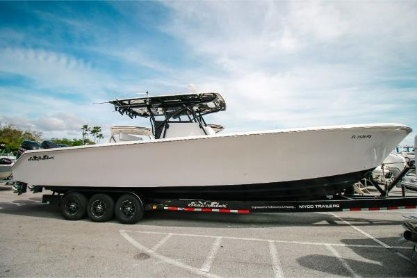 SeaHunter 37 Center Console