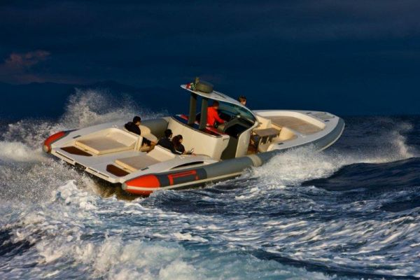 Pirelli Pzero 1400 Yacht Edition Photo 18