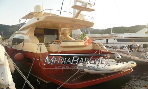 Ferretti Yachts Altura 690 HULL