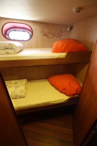 Topline Long Range Trawler guest cabin 3