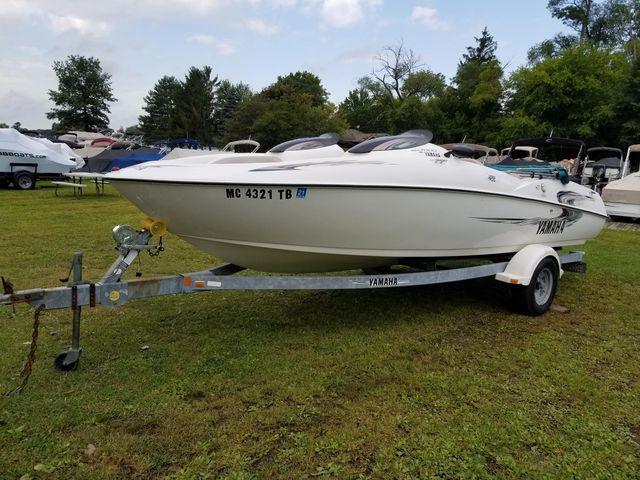 Yamaha Boats 2000LS