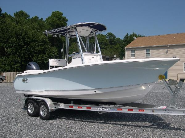 Sea Hunt 211 Ultra