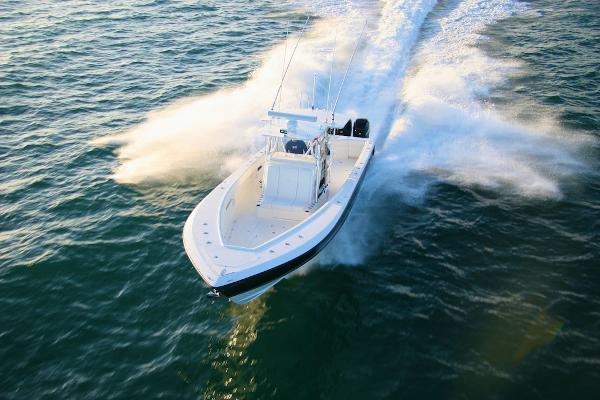 Sea Vee 390 Manufacturer Provided Image- Sistership
