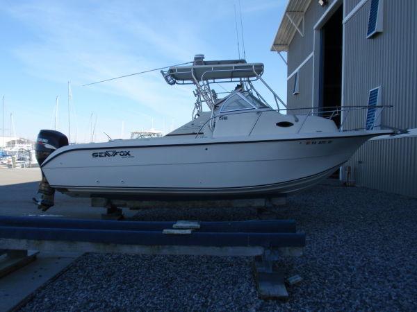 Sea Fox 257 Walkaround Starboard Profile