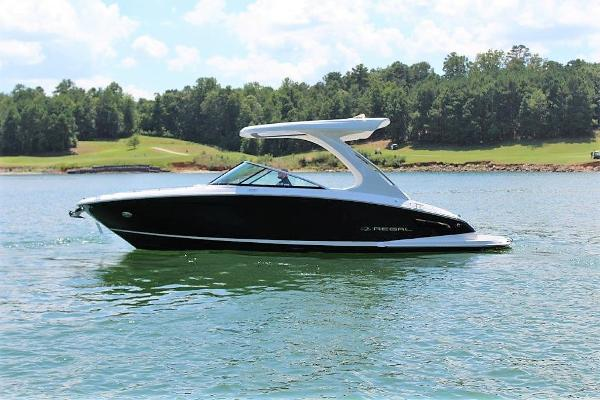 Regal 2800 Bowrider Port profile