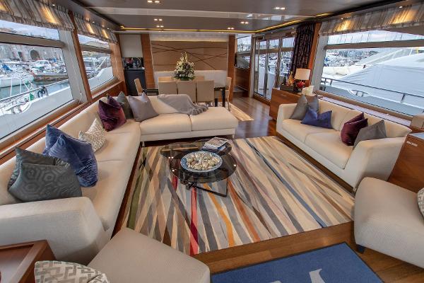 Princess 88 Motor Yacht - Saloon