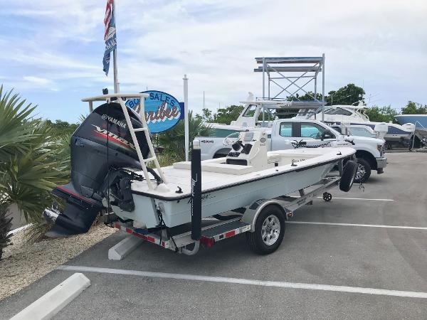 Maverick Boat Co. Mirage 18 HPX-V