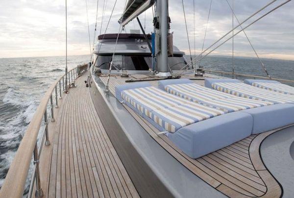 Side Deck - Starboard