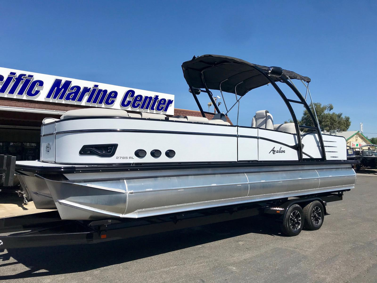 Avalon Catalina Platinum Rear Lounge 27' w/ 350 HP Verado!