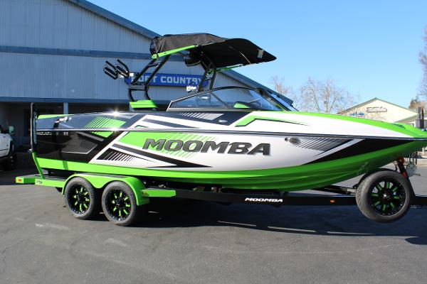 Moomba Mojo PRO w/ Flow Surf System