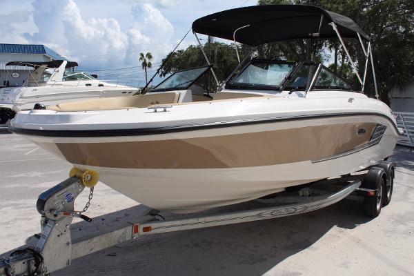 Sea Ray 21 SPX Outboard