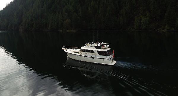 Hatteras 53 Motoryacht Drone shot.