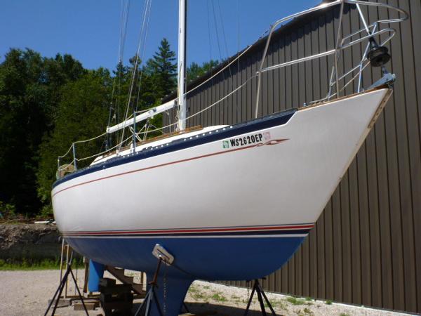 Islander 32-2 Hull