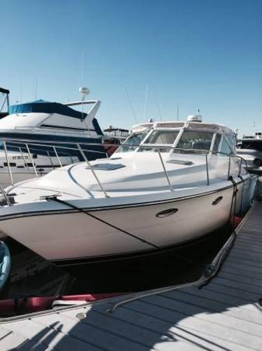 Tiara 3300 Open Portside Bow View