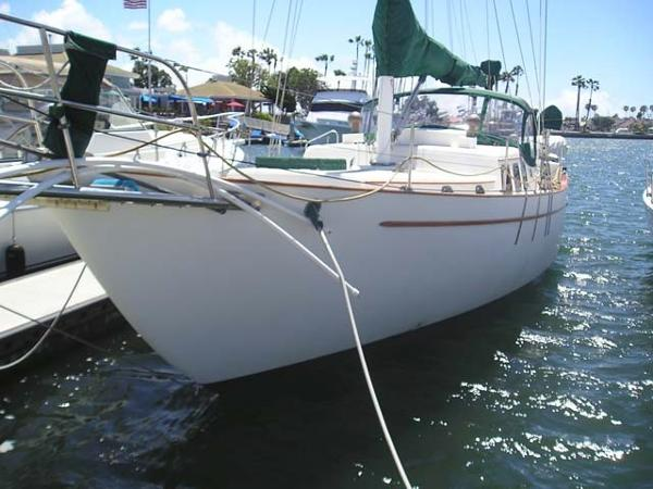 Westsail 42 Cutter Bow