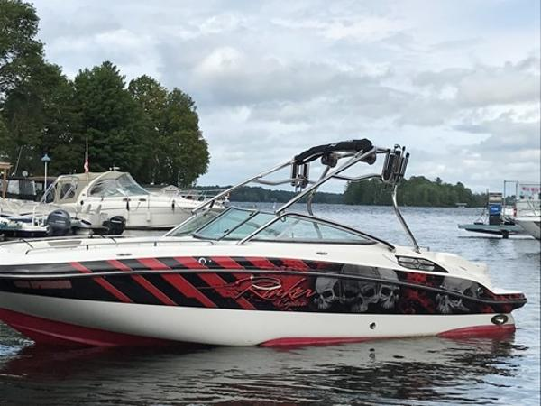 Rinker 248 Deckboat with Tower