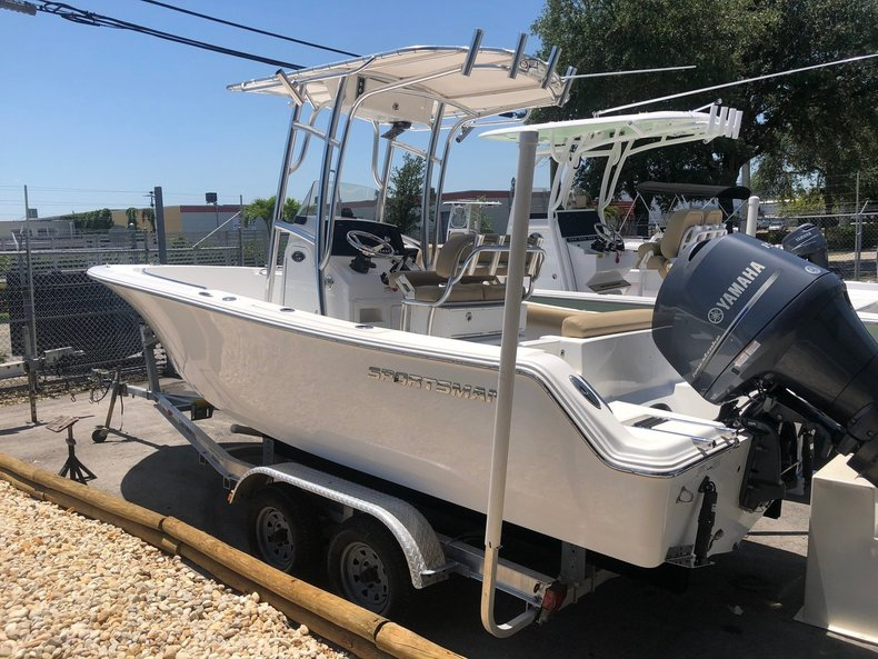 Sportsman Open 212 Center Console