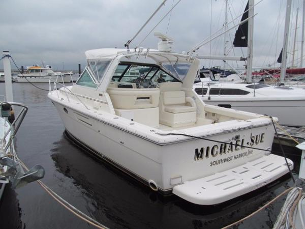 Tiara 31 Express Open Profile