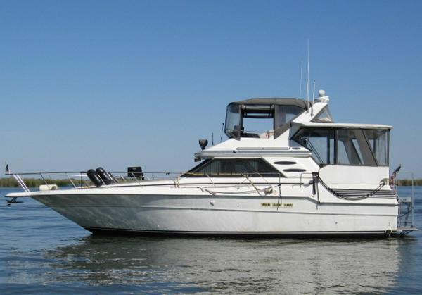 Sea Ray 440 Aft Cabin MAIN PHOTO