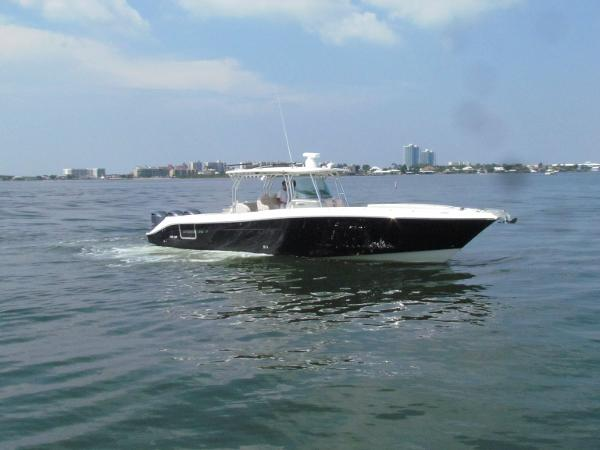 Hydra-Sports 4200 SF Custom Center Console