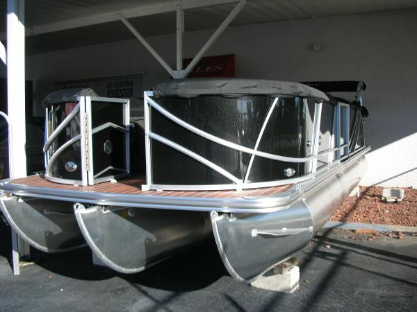 South Bay 522 CR