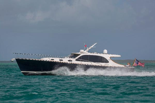 Palm Beach Motor Yachts PB45 Profile