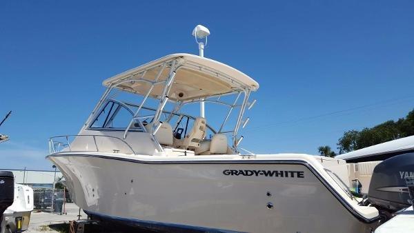Grady-White 305 Express