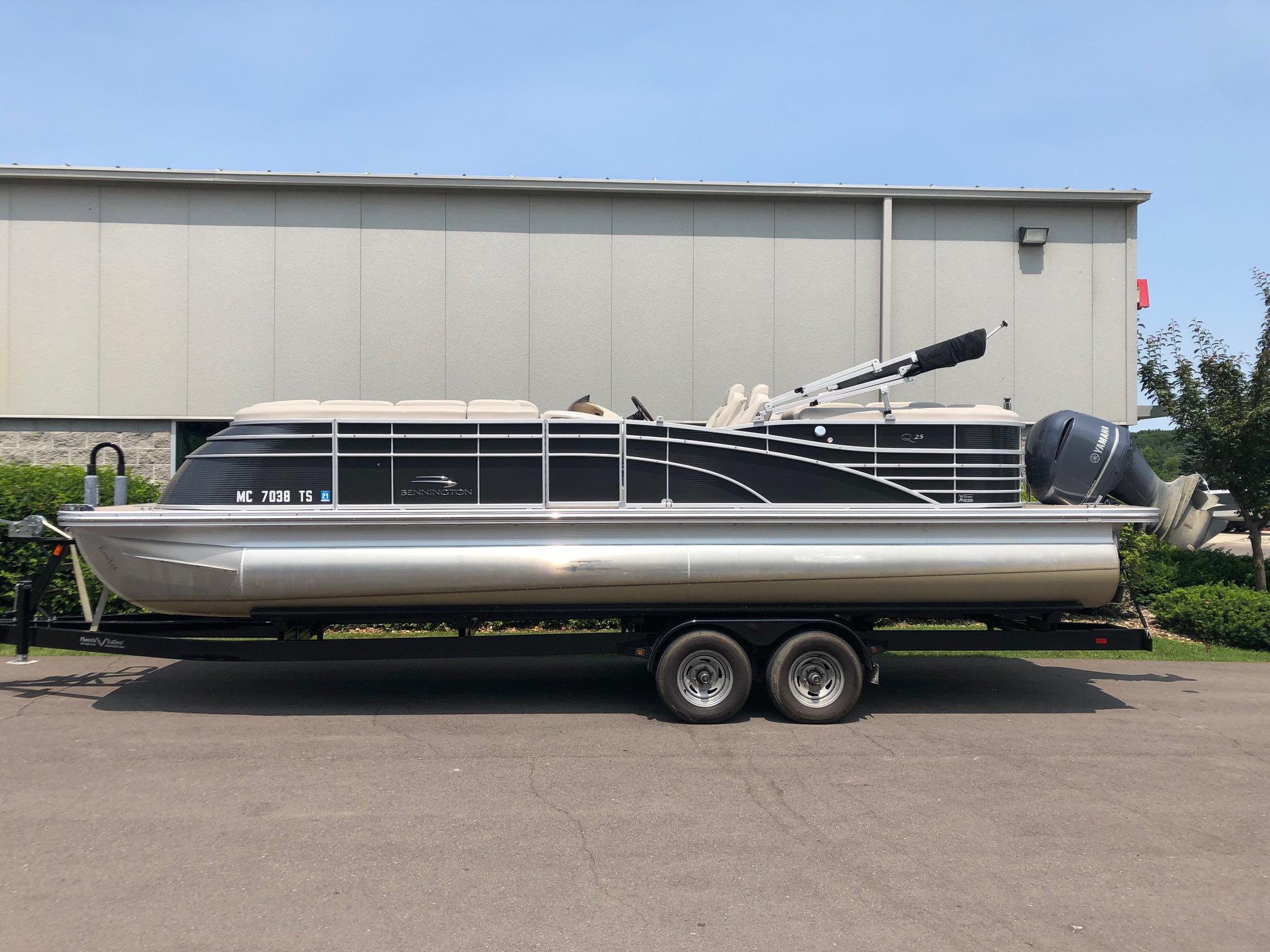 Bennington 2550 QSR