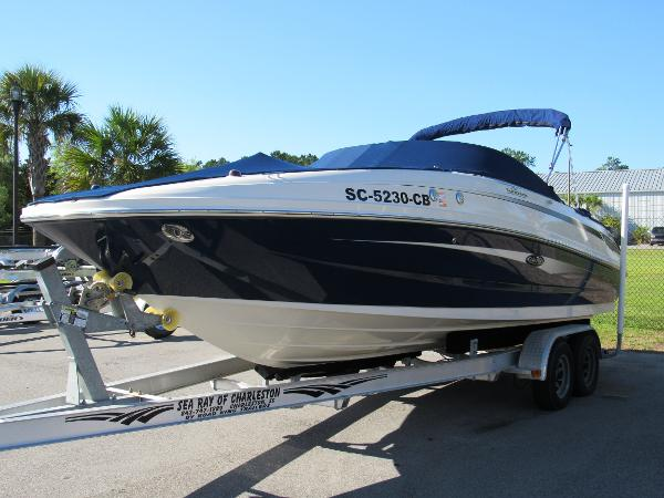 Sea Ray 230 Sundeck