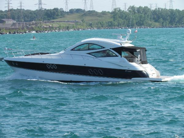 Cruisers Yachts 540 Sports Coupe Cruisin'.... On a Sunday Afternoon!