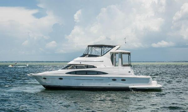 Carver 444 Cockpit Motor Yacht Port Profile