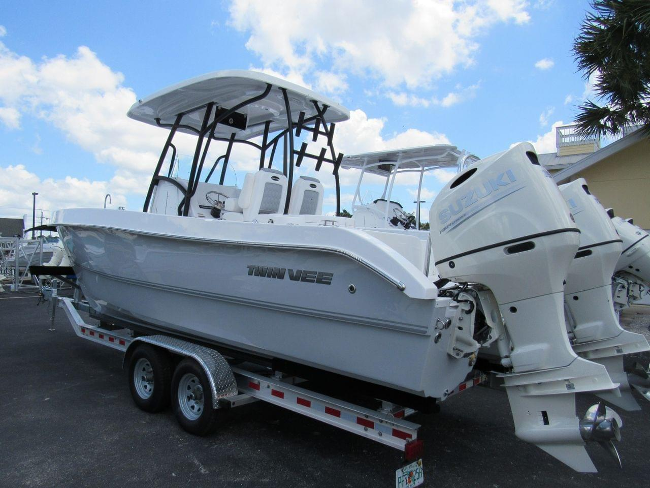 Twin Vee 260 SEL OceanCat