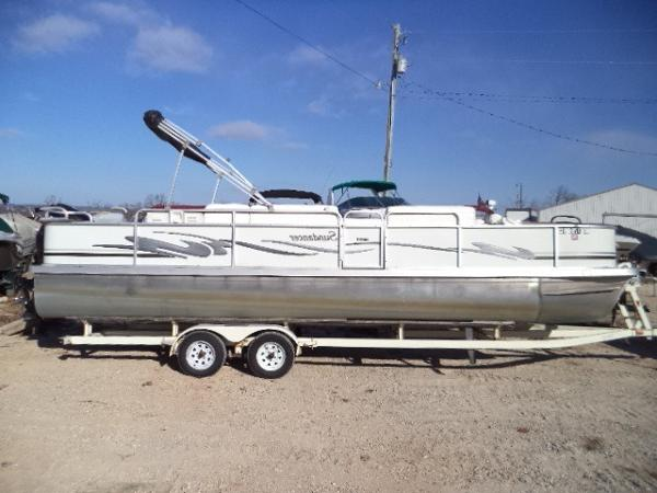 Sundancer Pontoons 260D Fish & Cruise Tri Toon