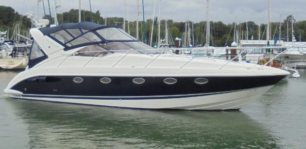 Fairline Targa 40 Fairline Targa 40 - Overall 1