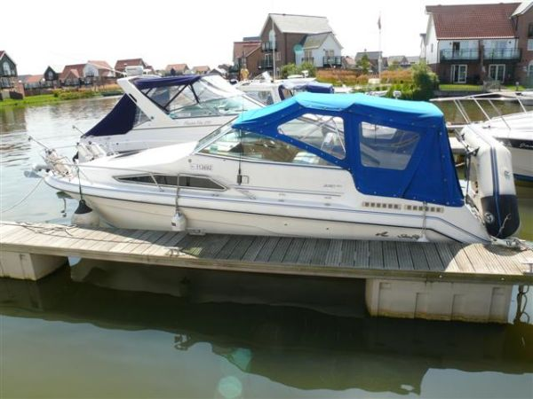 Sea Ray 220 DA Sundancer Photo 1