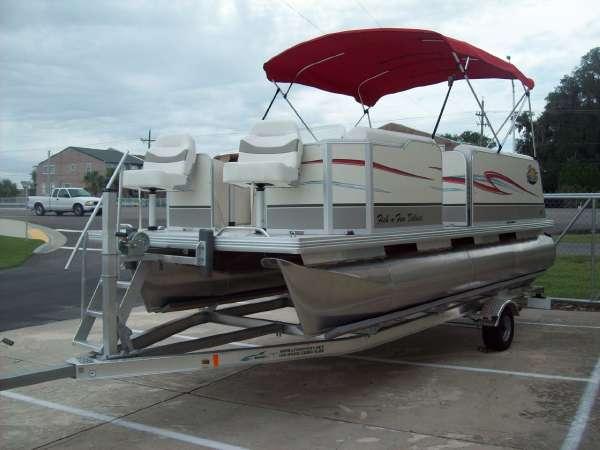 Fiesta Marine FISH N FUN DLX 18