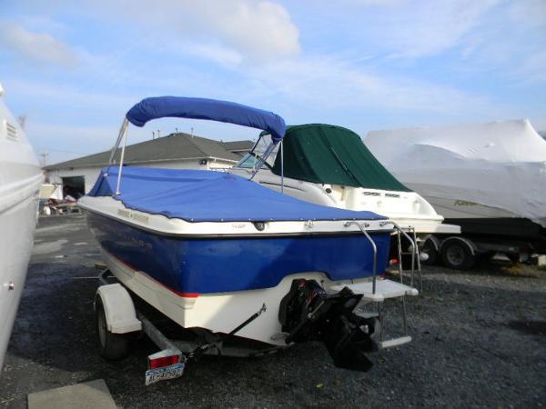 Bayliner Boats 215 BR