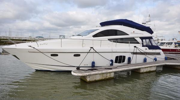 Fairline Phantom 48 Fairline Phantom 48 2011