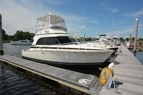 Bertram 33 Flybridge Cruiser II