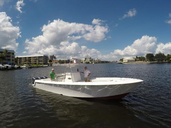 Contender 35 ST StarboardProfile