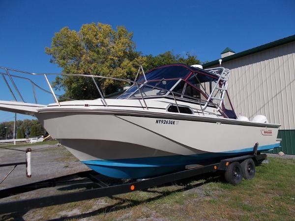 Boston Whaler 27
