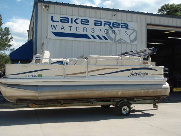 GODFREY MARINE SWEETWATER PONTOON 2180E