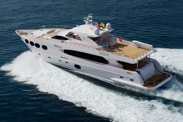 Gulf Craft Majesty 105
