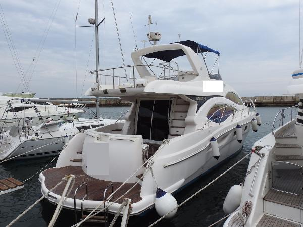 Majesty Yachts 50