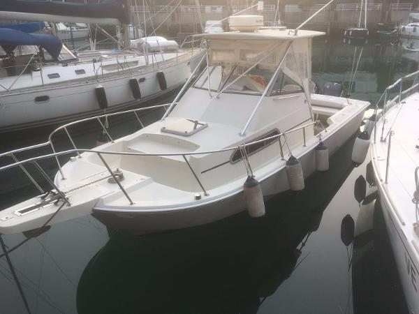 Boston Whaler 27 Walk Around