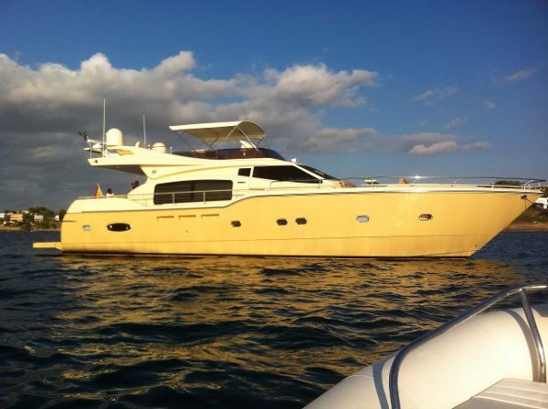 Ferretti Altura 690 bateau à moteur en vente à Majorque Espagne