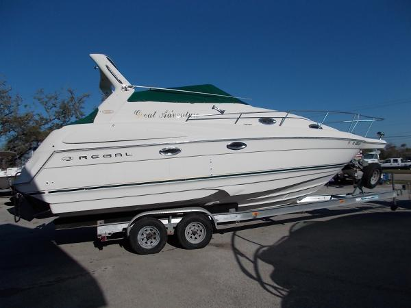 Regal 2760 Cruiser